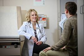 Student talking to doctor at UND Student Health