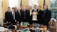 2000 NCAA Hockey Champion Team meeting Bill Clinton in Oval Office