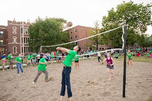 volleyball in the Bek quad