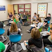 Group discussion during Honors class