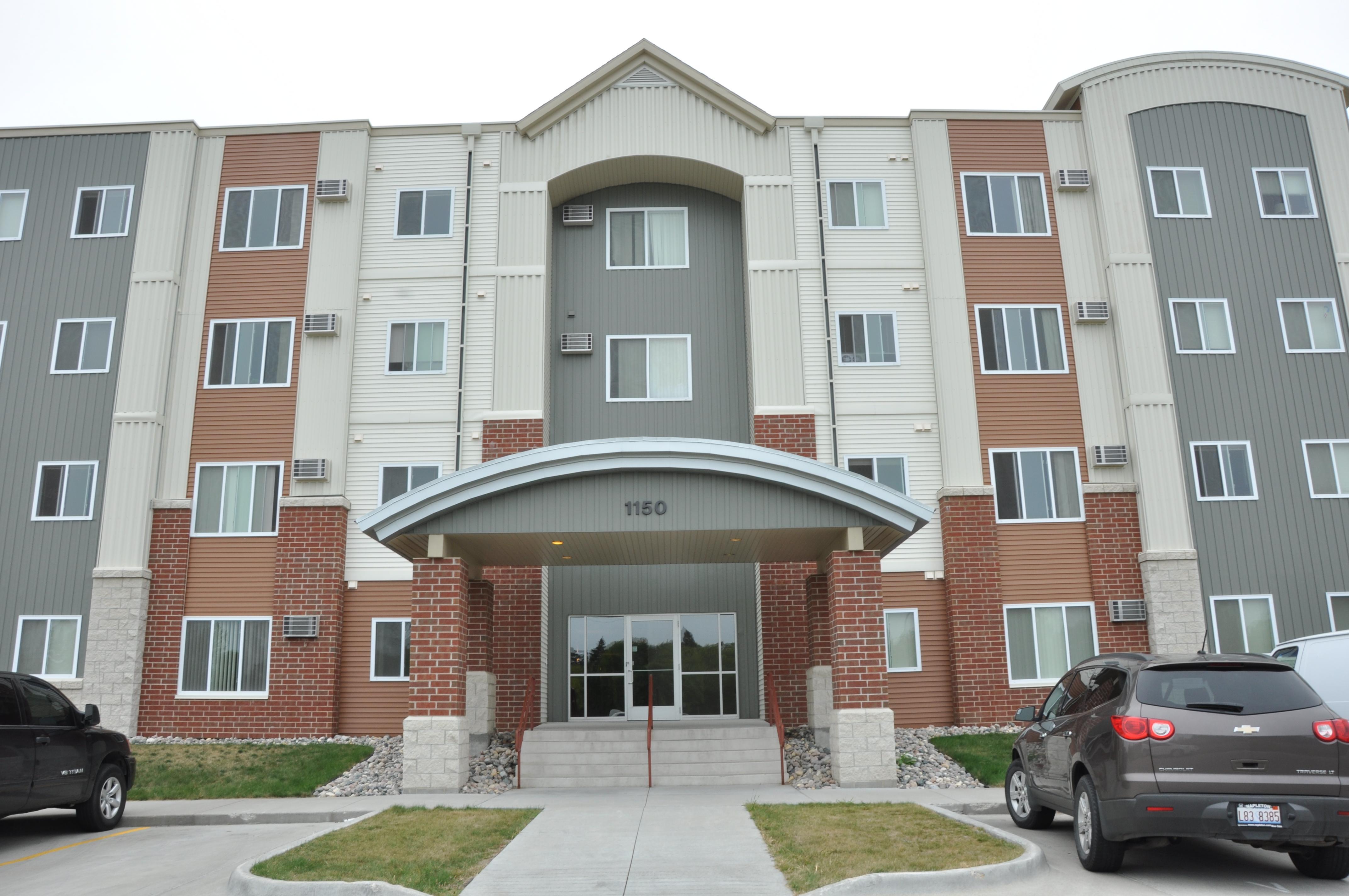 Hamline Square Apartments | Housing | University of North ...