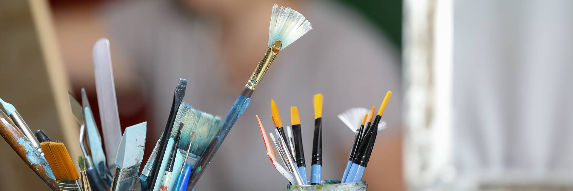 visual arts paint brushes